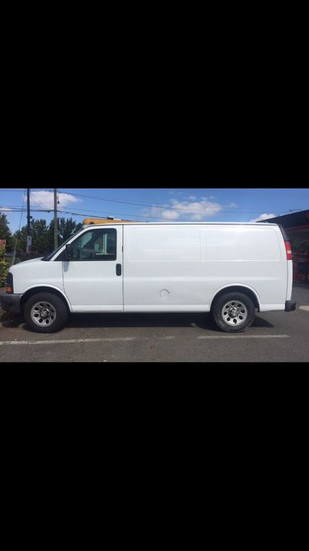 2009 CHEVORLET EXPRESS 1500 GREAT CONDITION