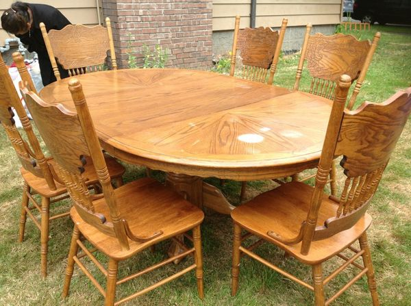 Dining table furniture in everett wa offerup for Furniture in everett wa