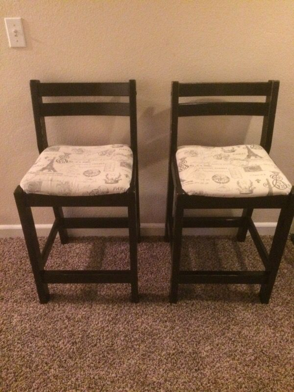 2 chairs bar stools furniture in everett wa offerup for Furniture in everett