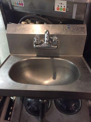 Hand washing sinks