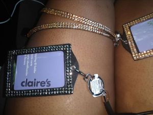 Claire's Id keyholder gold and silver available