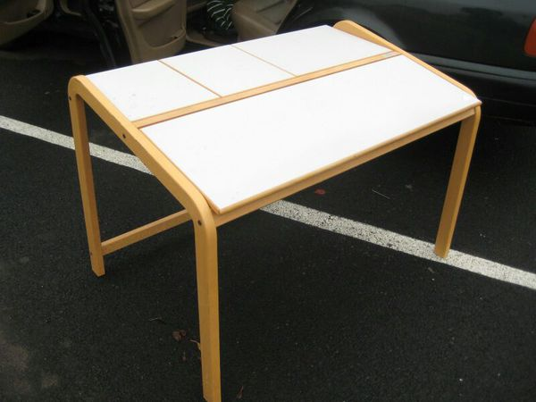 Mac table furniture in seattle wa offerup for Furniture assembly seattle