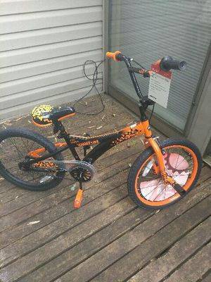 NEW 20 INCH HUFFY DOUBLE TAKE BOYS BIKE AGES 5-9. SERIOUS INQUIRES ONLY PLEASE THANK YOU!