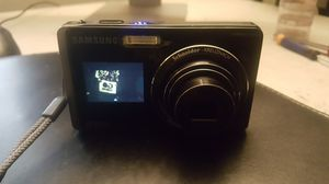 Samsung TL220 12.2MP Dual LCD Digital Camera 3 Inch Touchscreen !