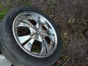 """4 18"""" chrome rims with tires"""