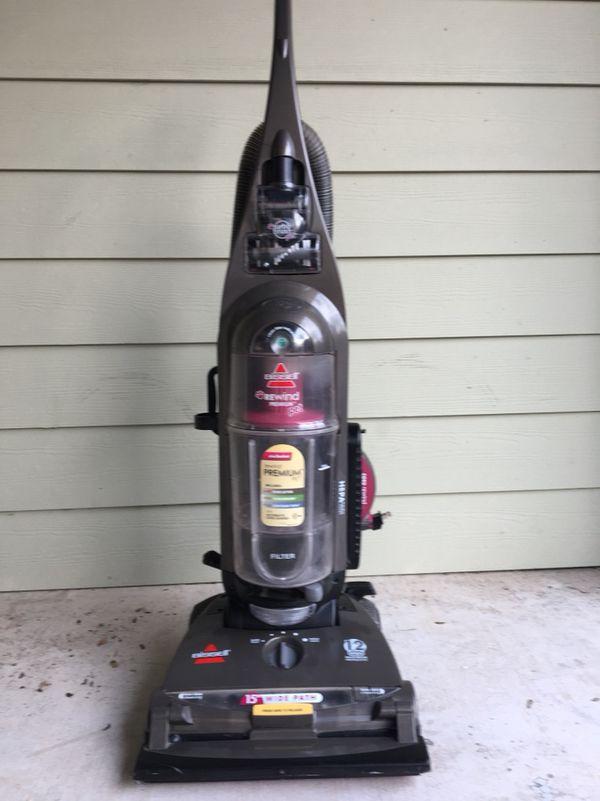 Bissell Rewind Premium Pet Vacuum Cleaner Bagless