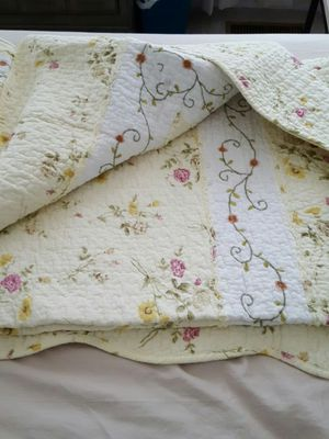 Beautiful twin quilt