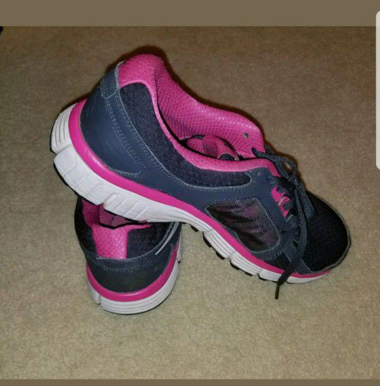 Girls Nike Shoes Size 6Y