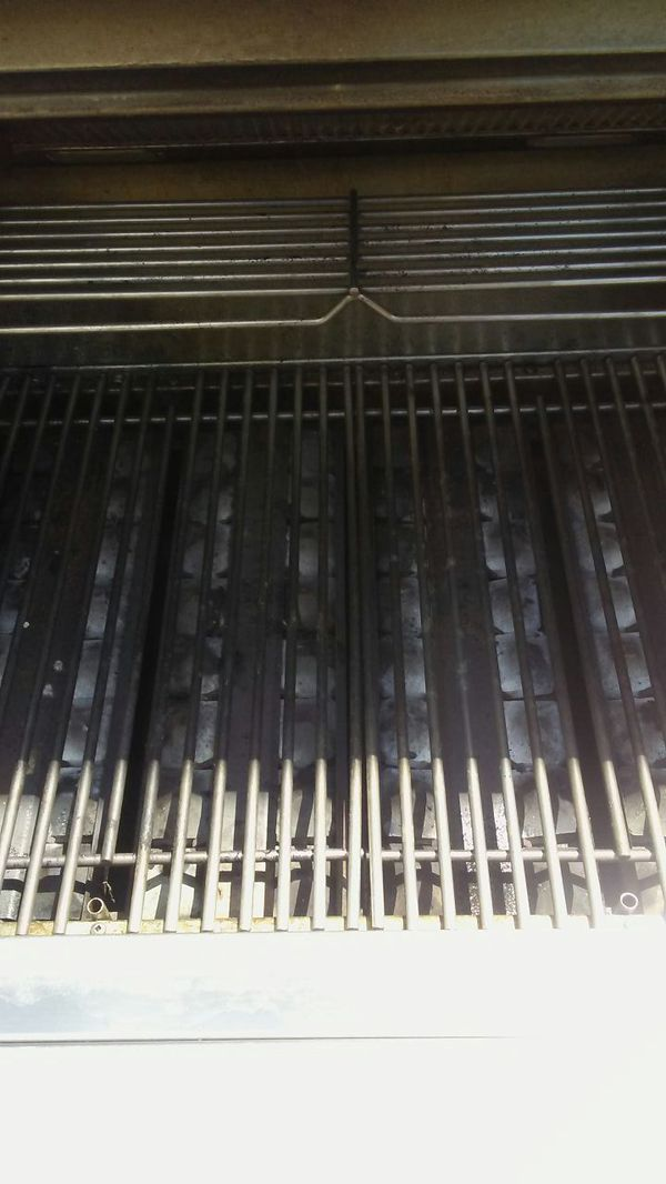 30 inch Natural gas VIKING grill!!
