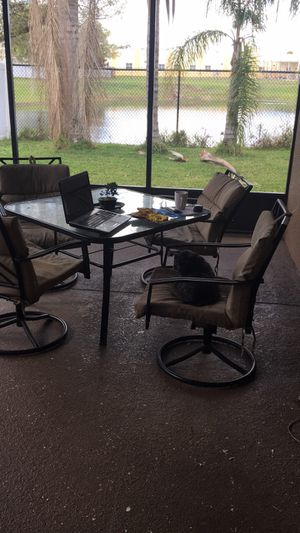 Patio table and 4 seats