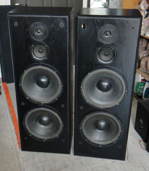 KLH TOWER SSPEAKERS DUEL 12 SUBS