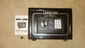 UNION ELECTRONIC SAFE, 0.71 Cubic Feet, Perfect Condition w/ Key