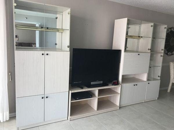 Wall Unit (Furniture) in Boca Raton, FL