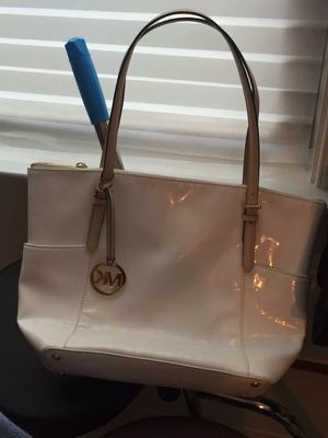 Authentic mk handbag almost new