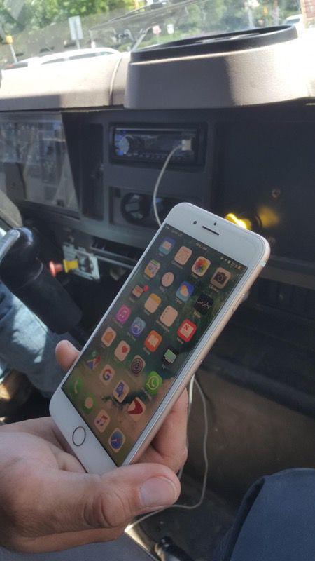 iPhone 7 Plus semi Nuevo