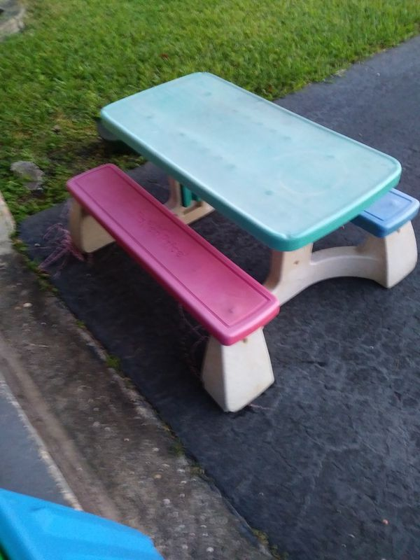 Picnic table for a child fisher price green top blue sea and pink picnic table for a child fisher price green top blue sea and pink seat for 5 watchthetrailerfo