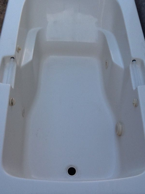 Lasco Whirlpool Hydrolux Tub w/ 4 Air Jets - Need gone ASAP ...