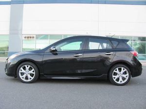 2010 Mazda 3 hatchback. Auto.