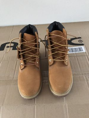 Woman's Timberland Boots Size 8.5