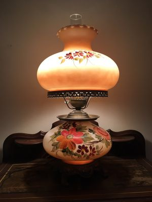 """""""Gone With the Wind"""" Vintage Hurricane Lamp"""
