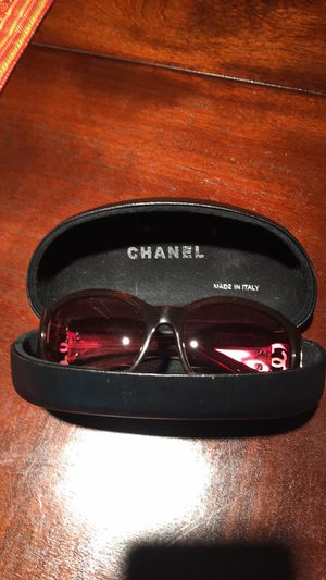 Women's sunglasses,CHANEL ,like new with case