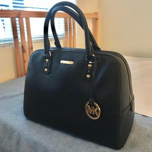 Michael Kors purse new with tags leather authentic