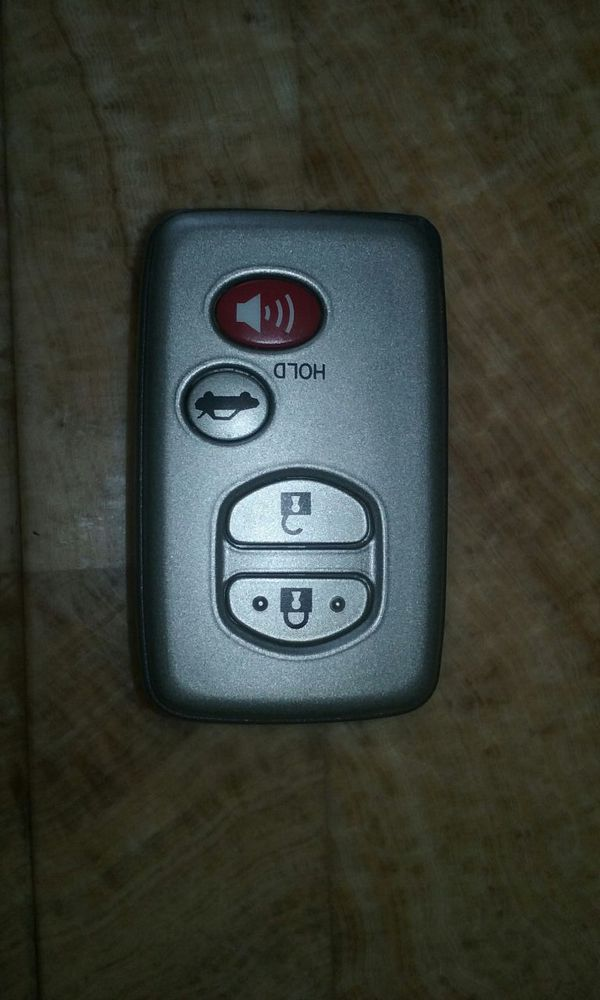 toyota key fob cars trucks in south gate ca offerup. Black Bedroom Furniture Sets. Home Design Ideas
