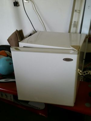 Mini fridge /freezer