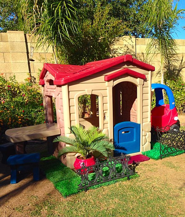 Cosy Little Tikes Home Garden Playhouse. Little Tikes Playhouse with Attached Picnic Table  Cozy Coupe