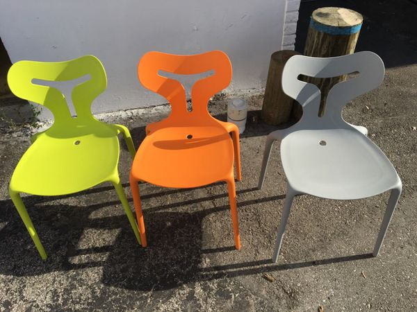 Italian Calligaris Area 51 poly chairs - qty 30 (Furniture) in ...