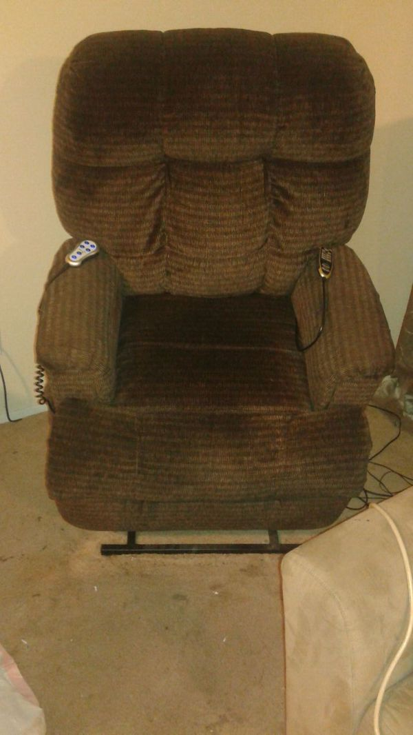 Medical fit lift chair furniture in auburn wa offerup for Furniture auburn wa