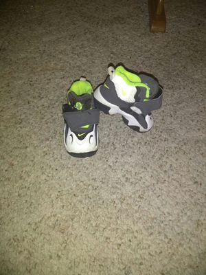 Nikes size 4C
