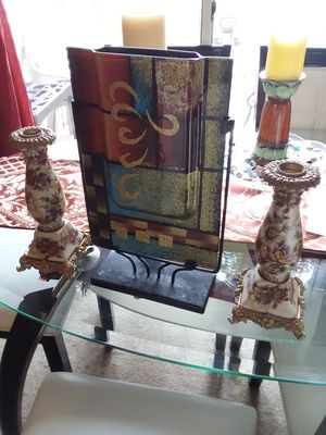2 BEAUTIFUL CANDLE HOLDERS AND LIVING ROOM DECORATION VASE FOR ONLY $45.00