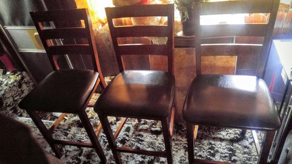 Beautiful bar stools furniture in tacoma wa offerup