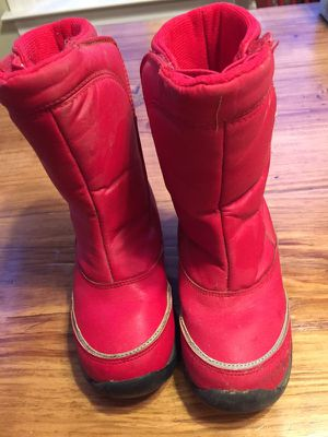 Red size 13 snow boots