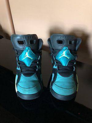 Jordán shoes size 12C.