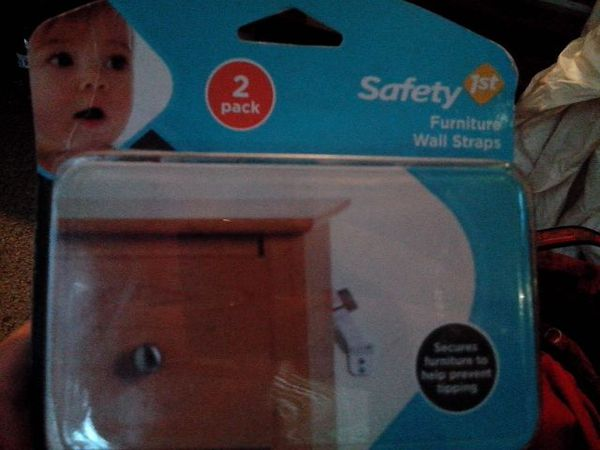 Safety 1st Furniture Wall Straps 2 Pack Baby Kids In Shoreline Wa Offerup