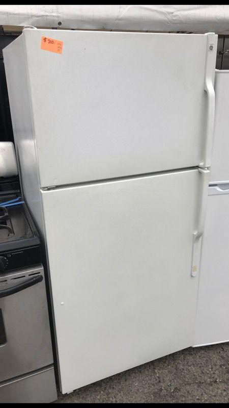 Ge white apartment size fridge (Appliances) in Anaheim, CA - OfferUp