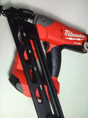 Milwaukee New Finish Nailer M18 -FUEL Brushless Cordless 15-Gauge Angled Tool Only New Brand