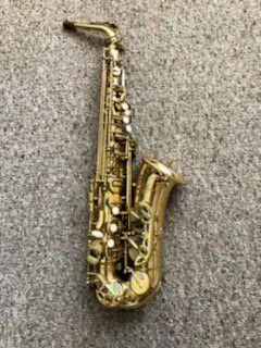Selmer Prelude Alto Saxophone Intermediate case Included