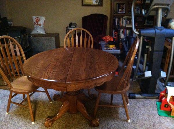 shin-lee medium oak table ( furniture ) in yelm, wa - offerup