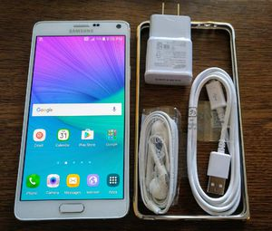 White Galaxy Note 4 {UNLOCKED} Accessories included