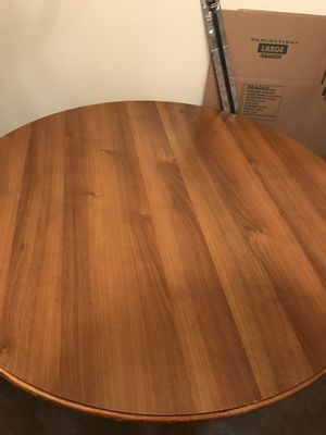 Dinning Table with out chairs/ Mesa de comedor sin silla