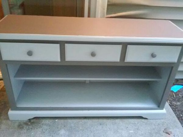 Refurbished entertainment stand furniture in bremerton for Furniture bremerton