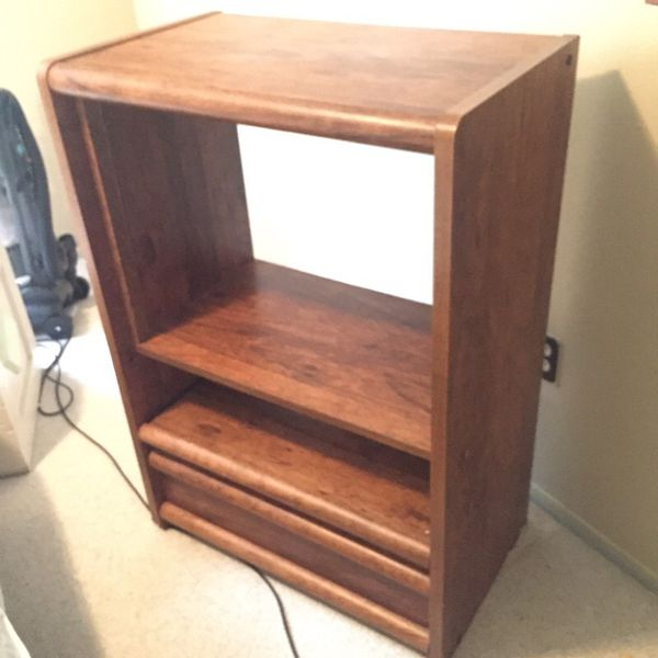 Tv Stand With Slide Out Shelf Furniture In Bremerton Wa
