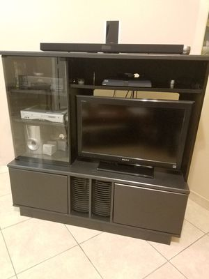 "Entertainment Center with 32"" Sony TV"