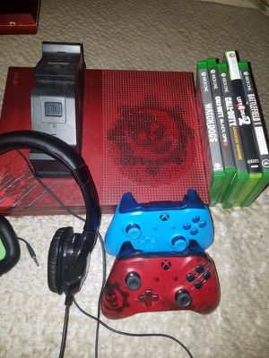 Xbox 1s 2TB gears of war edition with games controllers charging dock with batteries and head set