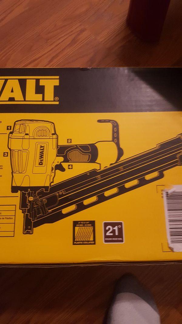 DeWalt pneumatic 21 degree framing nailer brand new (Tools ...