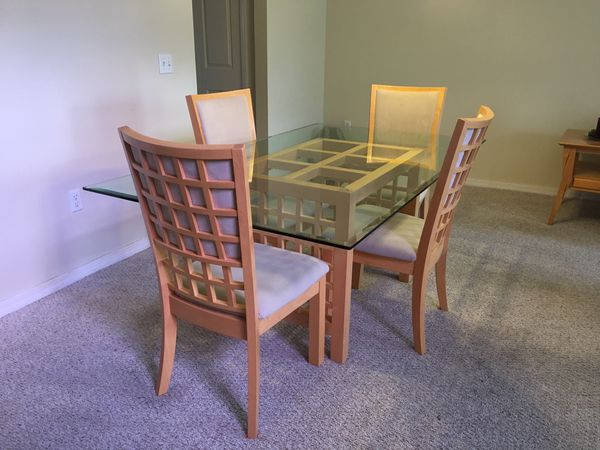 MOVING SALE Dining Table 4 Chairs