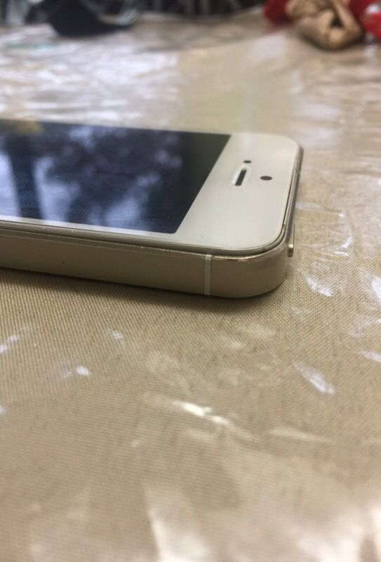 iPhone 5s 16 GB (NO iCloud-activation free)